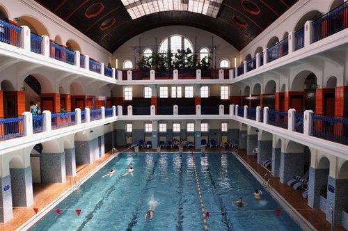 freizeit baeder uebersicht hallenbaeder joergerbad